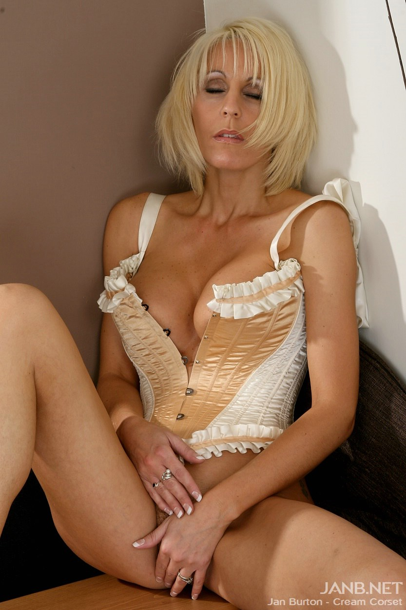 Jan Burton Model Milf 50
